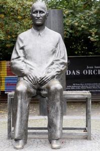 """Brecht-Zitat: Wo Recht zu Unrecht wird, wird Widerstand zur Pflicht""""!"""