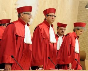 Gerichtspräsident wegen ESM-Urteils verklagt