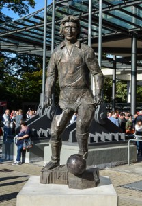 Heinz-Flohe_Statue_2014