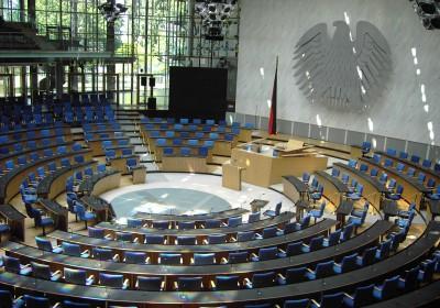 800px-Bonn_Bundestag_Plenarsaal1